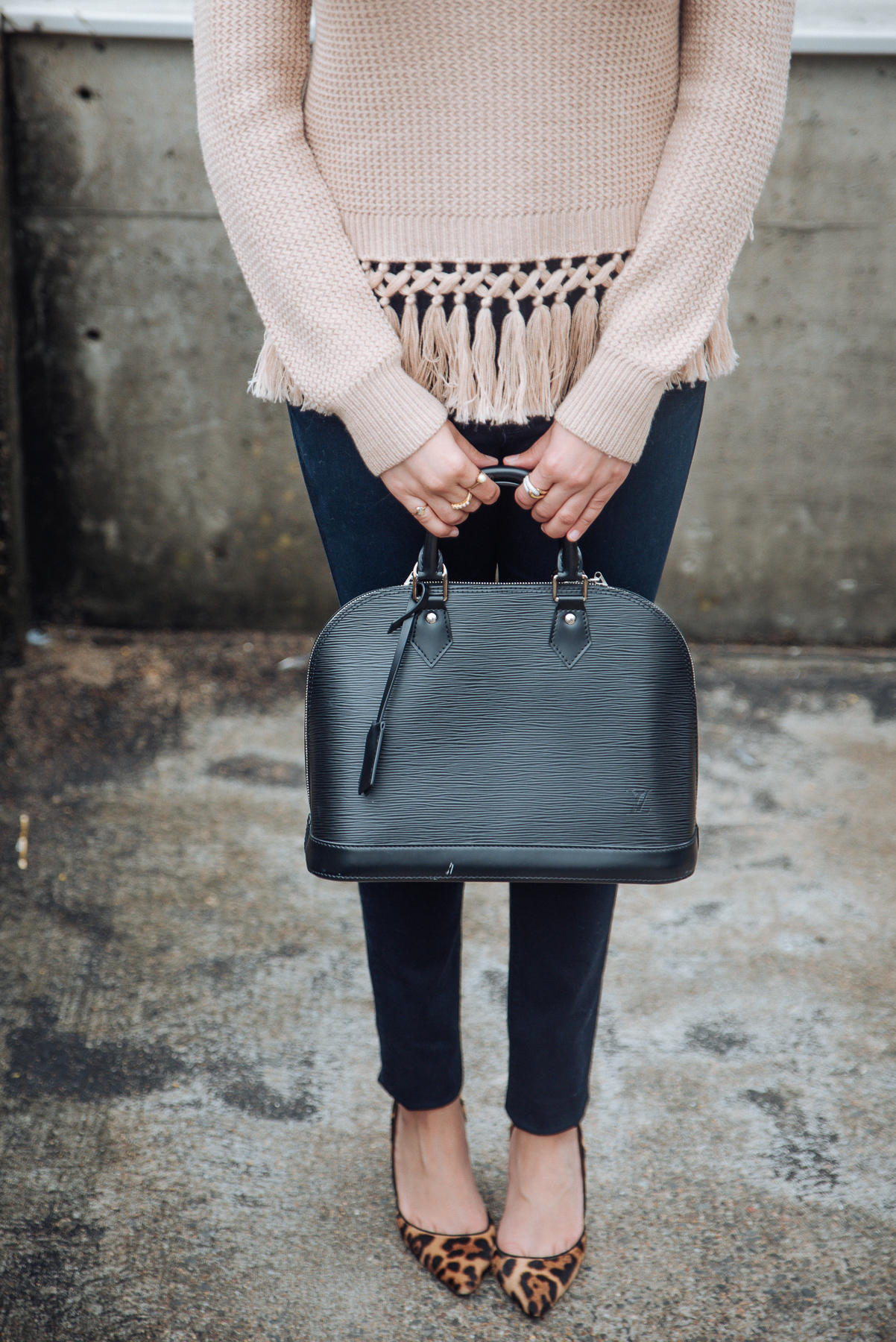 Image of Club Monaco | Light Layers | Outfit Inspiration | The Cultured Fashionista